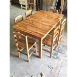 cadeira de madeira com estofado Campo Grande
