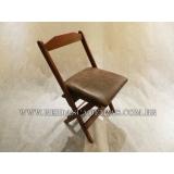 cadeira de madeira estofada com braço Tatuapé