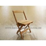 cadeira dobrável infantil de madeira Vila Romana