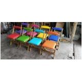 cadeira madeira estofada Mairiporã