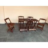 cadeira de madeira dobrável