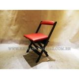 cadeira de madeira dobrável estofada