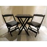 cadeira de madeira rústica estofada