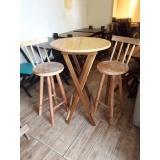 mesa bistrô alta madeira Parque do Carmo