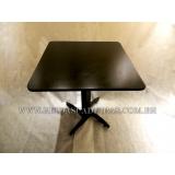 mesa de madeira para pizzaria