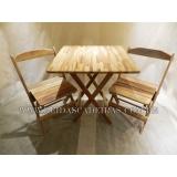 mesa e cadeira de madeira Lauzane Paulista