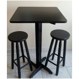 mesa bistrô com cadeiras