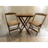 mesa dobrável com cadeiras