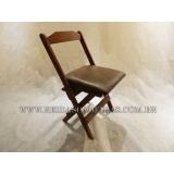 preço de cadeira dobrável de madeira para restaurante Poá
